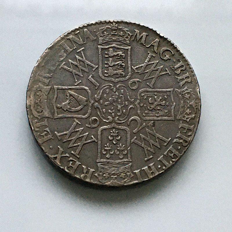 Crown 1692